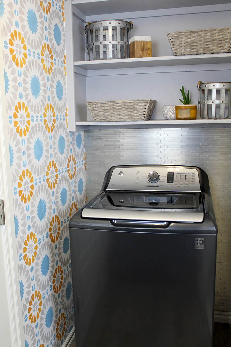 See how blogger Ashley Basnight from Handmade Haven transforms her laundry room with the help of GE Laundry and The Home Depot.